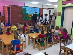 kyra_sarakosti_2.jpg